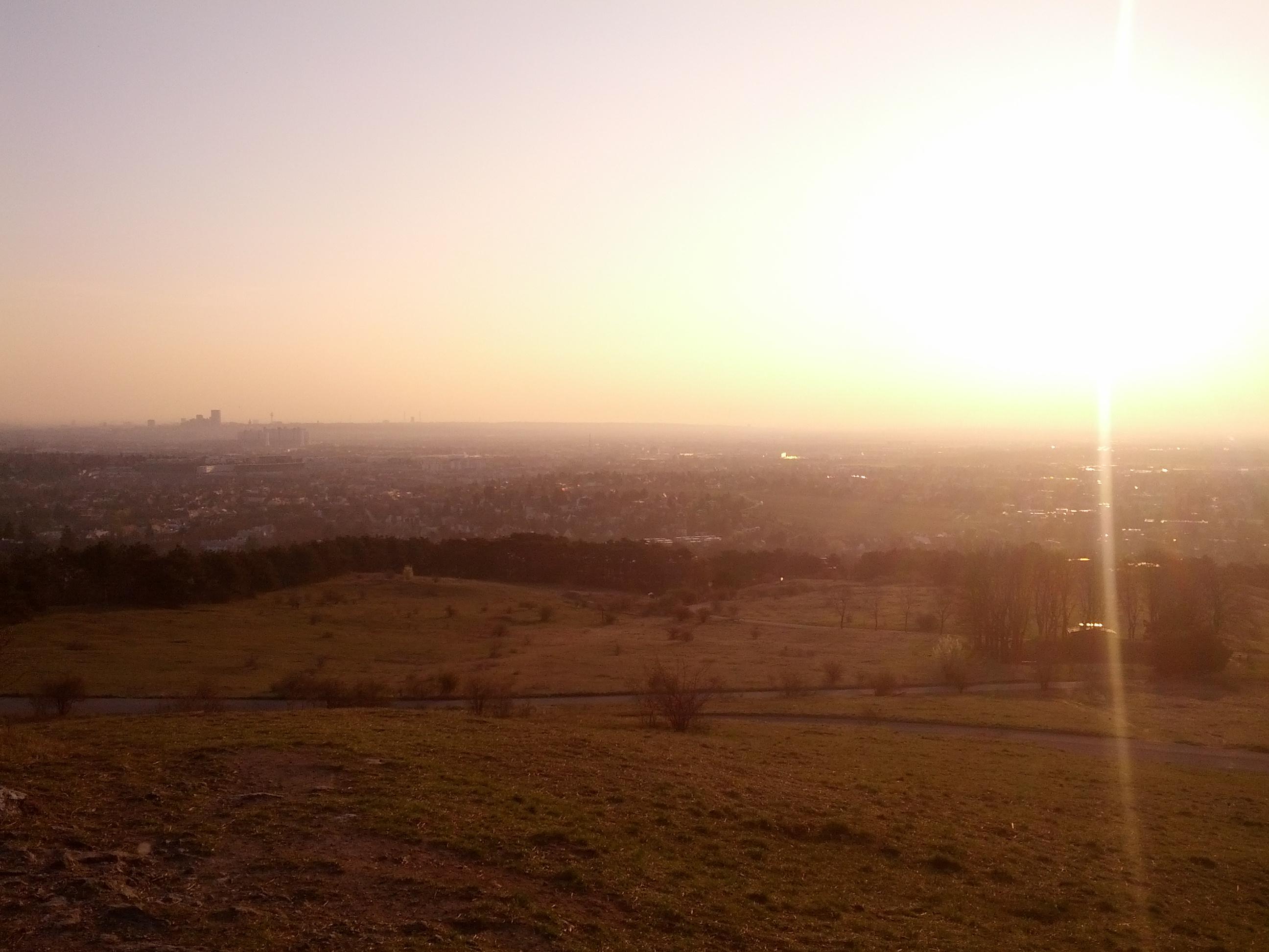Sonnenaufgang am Hausberg